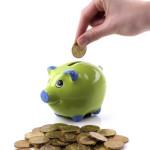 Проценты по кредитам в банках - копилка зеленая с синими ушами