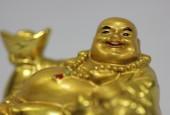 Как вкладывать деньги в золото - во первых вам нужно открыть вклад в банке лучше в Сбербанке России. - золото